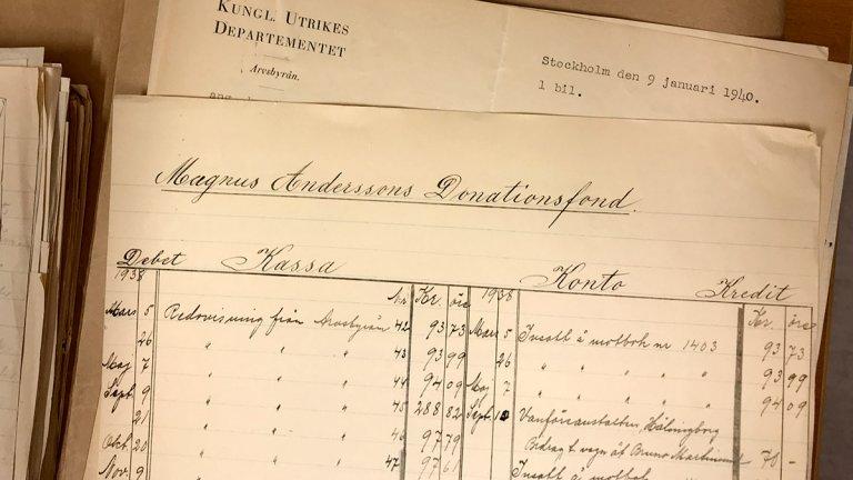 handskrivet äldre dokument om minnesfond