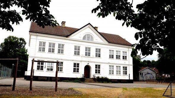 Kastanjen, före detta Samrealskolan.